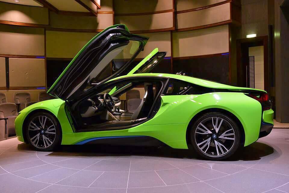 BMW i8 Green Supercar