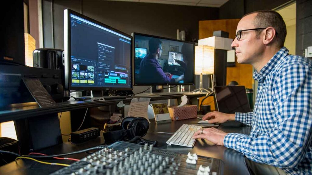 online Business degree careers in media